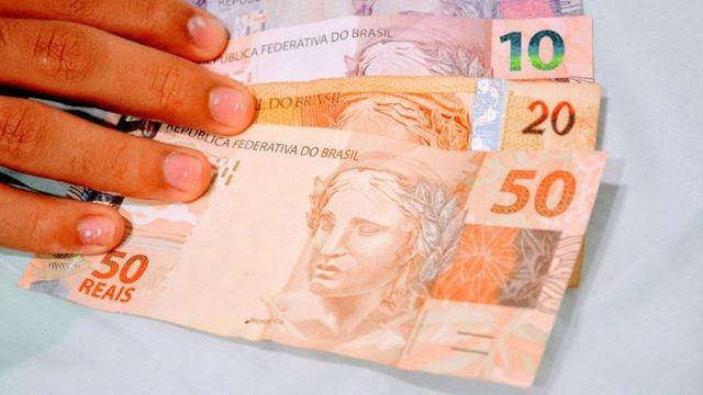 Governo paga primeira parcela do 13º salário amanhã, na Paraíba