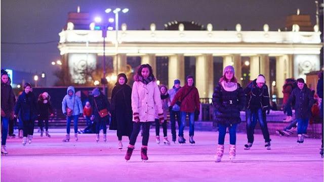У Москві під гімн Росії обвалився міст з людьми