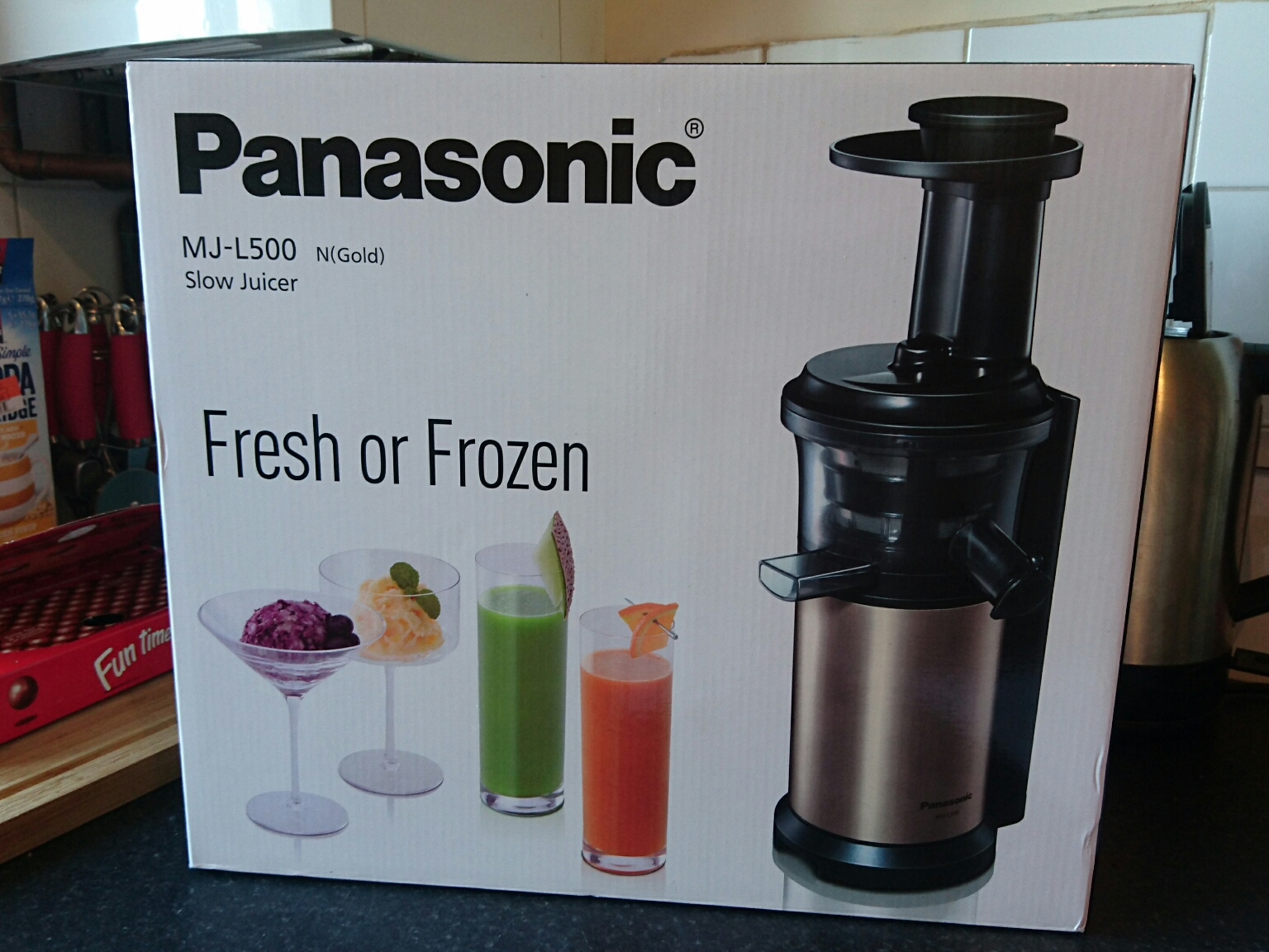 Panasonic Mj L500 Slow Juicer Reviews : United Cakedom: Panasonic Slow Juicer: MJ-L500 Review