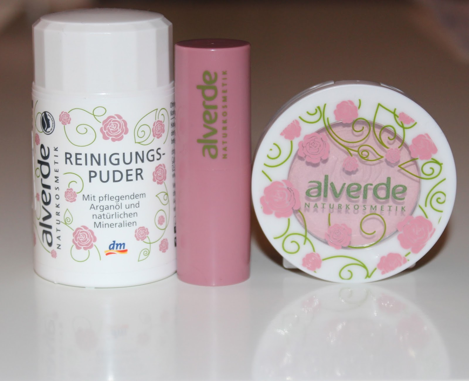 DM #4: Alverde Vintage Rose kolekcija (puder za umivanje, ruž i rumenilo)