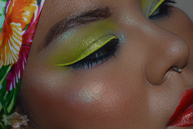 Review Vivid Glowin' Green by W7 Makeup, Neon Green Look, Dupe Neon Green Neon Obsessions Huda Beauty, dupe huda beauty, Neon Eyeliner Green Vivid Wycon, summer green neon
