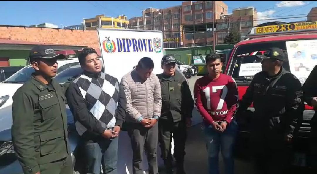 Parte de la banda de auteros de El Alto capturados por Diprove  / DIPROVE