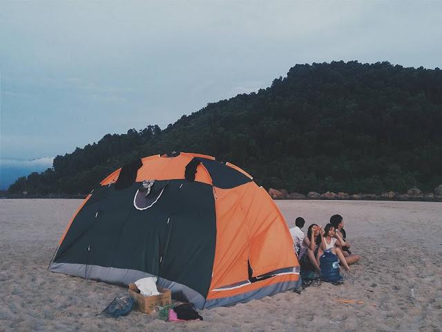 Cắm trại đêm cùng nhau mở tiệc BBQ