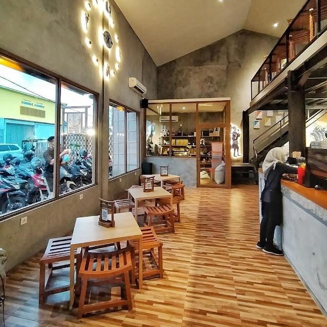 Cafe Hits di Sidoarjo Ala Jepang