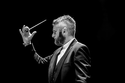 Kirill Karabits (Photo Konrad Cwik)