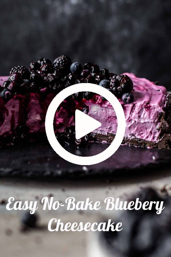 Easy No Bake Blueberry Cheesecake Recipe. For this No-Bake Blueberry Cheesecake you need just 9 ingredients and 10 minutes of hands-on preparation time. #blueberry #cheesecake #oreocookie #blueberrycheesecake #nobake