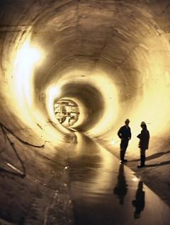 Tunnel Un Politician Din Norvegia Avertizează: Pregătiri Secrete - Dezastre Planetare