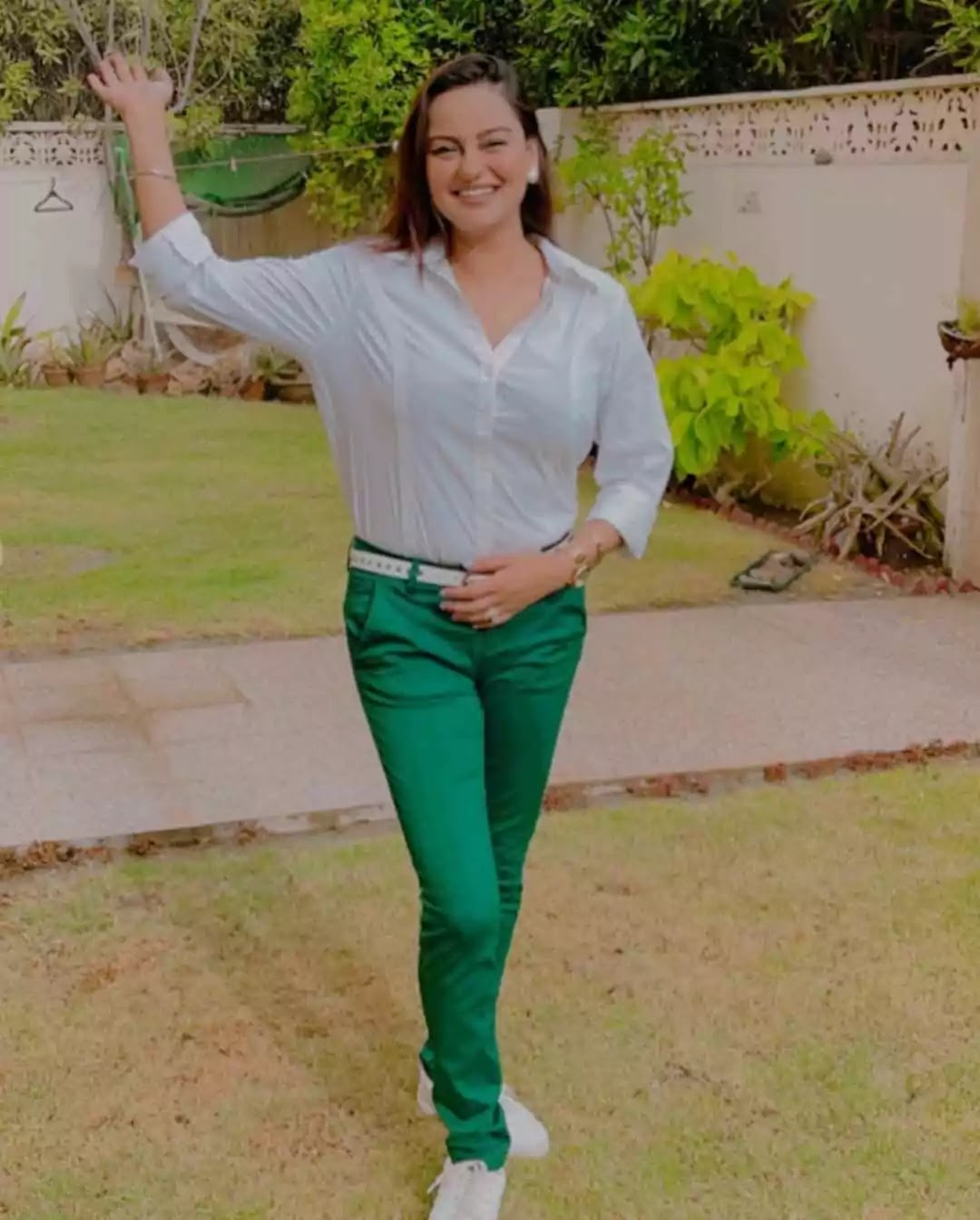 Beautiful Pictures of Javeria Abbasi Celebrating Independence Day