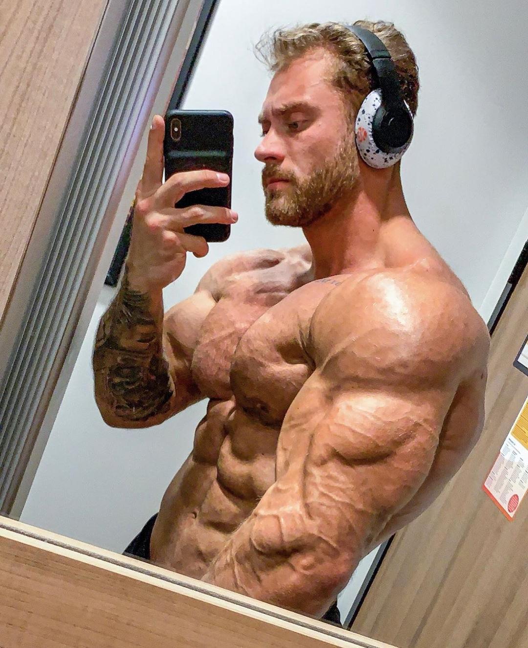 huge-swole-blond-bearded-rock-hard-veiny-muscle-man-pecs-abs-bodybuilder-biceps-selfie
