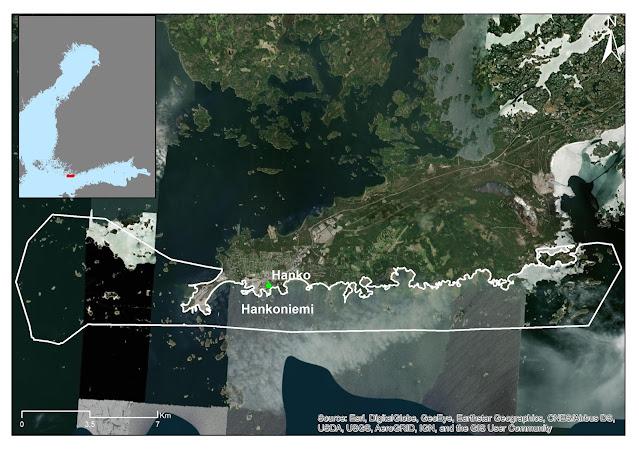 Ilmakuva, jossa on valkoisella värillä rajattu Hankoniemen eteläinen merialue.