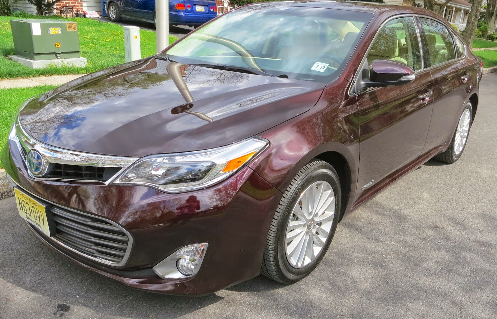car reviews, Cars, drive experiences, hybrid, Toyota, toyota avalon, toyota hybrid,