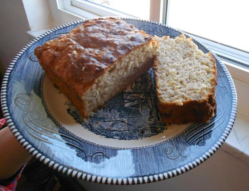 Banana-Oat Bread Cut