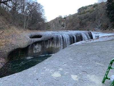 吹割の滝の甌穴