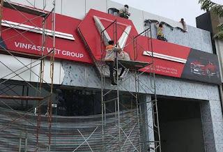 Khai truong showroom Vinfast đầu tiên