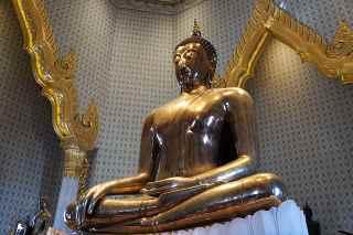 Top 7 Best Cultural Attractions in Bangkok, Wat Traimit,