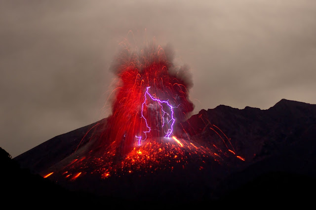 Volcanic eruption by Marc Szeglat on Unsplash