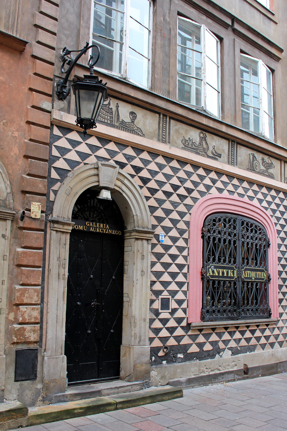 Patterned building in the Warsaw Old Town - luxury travel blog