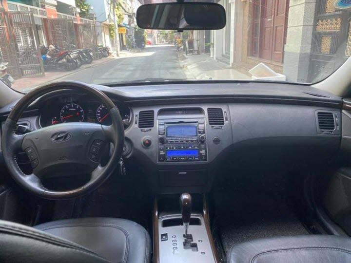 Hyundai Azera 12 năm tuổi giá ngang Grand i10 đời mới