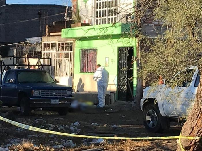 En Irapuato; Guanajuato, Sicarios llegan a domicilio, sacan a la familia y los ejecutan, 4 hombres y 1 mujer las víctimas