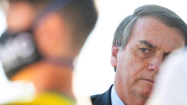Revés nas redes: Enquanto 35% impulsiona dados falsos de Bolsonaro, 65% desmenti o presidente