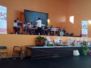 Esguard de Dona - Bellvei Band en un moment de la seva actuació
