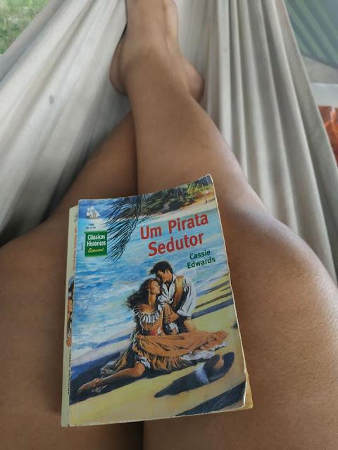 Um dos romances que li na adolescência, e reli agora n quarentena.