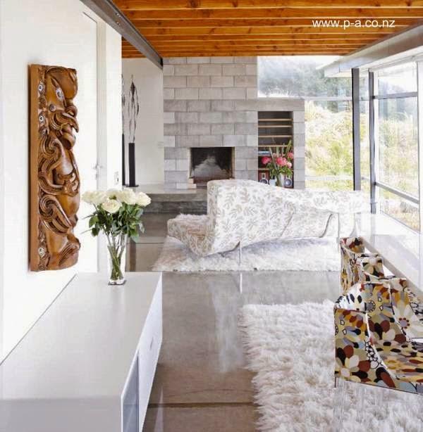Sala de estar en el primer volumen de la casa