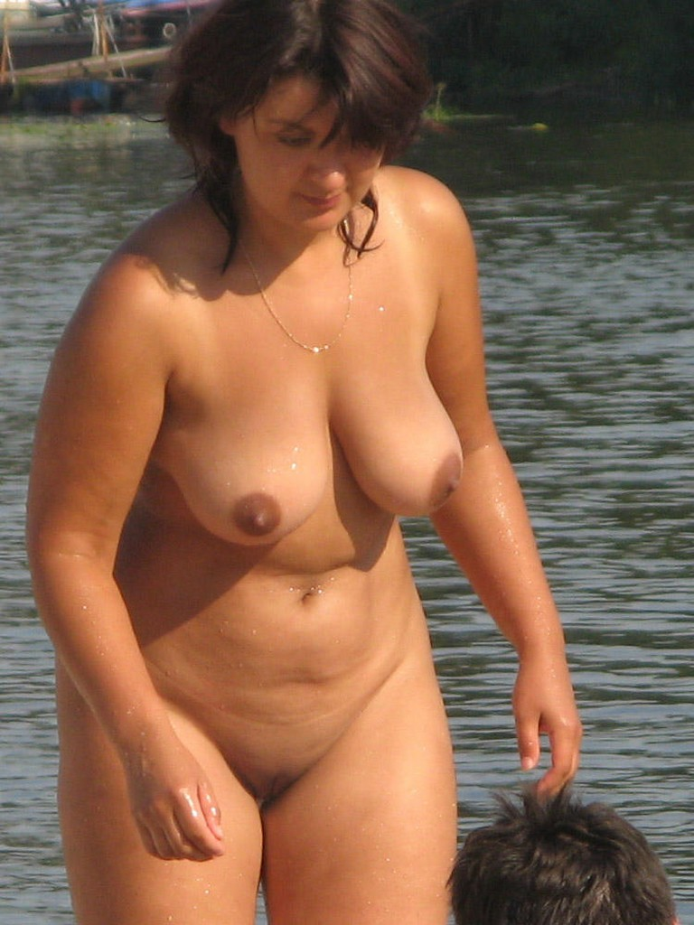 Nude Beach Mostly Candids  Nudes Girl-7110