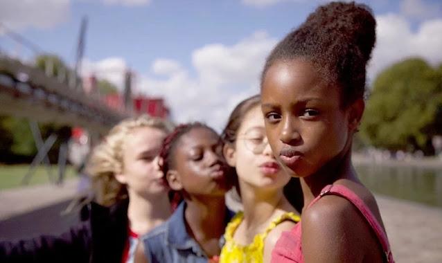 """Juiz rejeita ação que tenta tirar do ar o filme """"Lindinhas"""", que sexualiza meninas de 11 anos"""