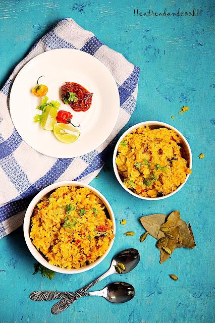 how to make Bengali Arhar Dal er Khichuri recipe and preparation / Bengali Toor Dal Khichdi recipe and preparation