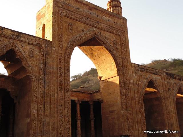 Adhai Din Ka Jhonpra - Ajmer Rajasthan Travel Blog