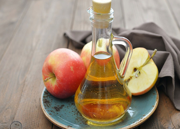 Benefits of apple cider vinegar for dyed hair