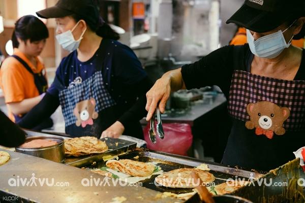 nhung-mon-an-noi-tieng-tai-pho-am-thuc-yongkang-dai-loan-aivivu1.jpg