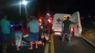 Jovem de Nova Floresta fica ferido após colisão entre moto e reboque; veja vídeo