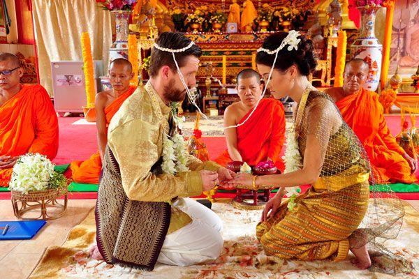 Hogyan lehet feleségül venni egy gazdag embert: megérdemli!