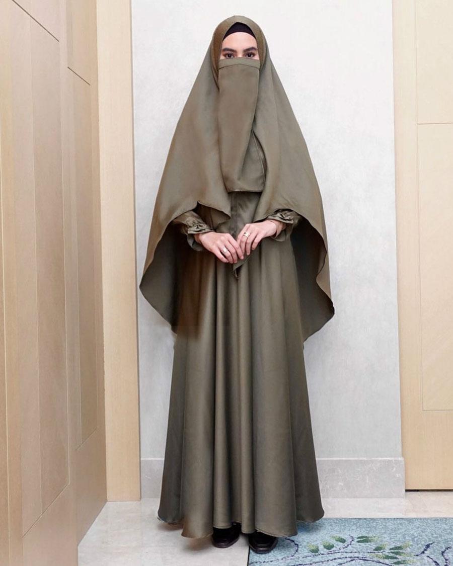 Cewek Cantik cadar dan burqa