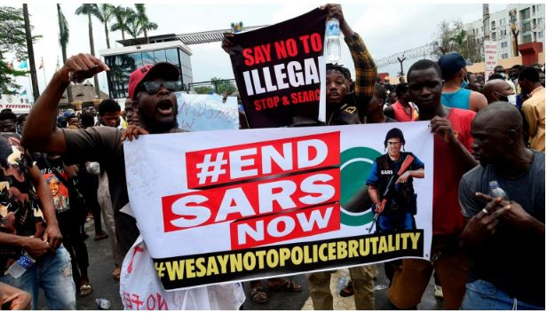 Policemen, Soldiers Storm Lekki Toll Plaza to Stop Another #EndSARS Protest #hypebenue