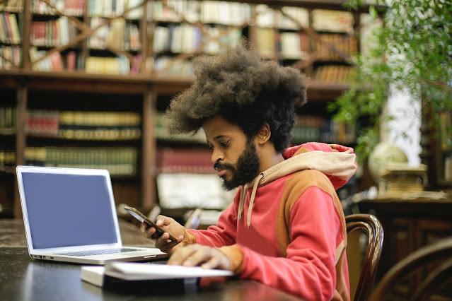 تعال للدراسة في المملكة العربية السعودية مع منحة جامعة الملك عبد العزيز