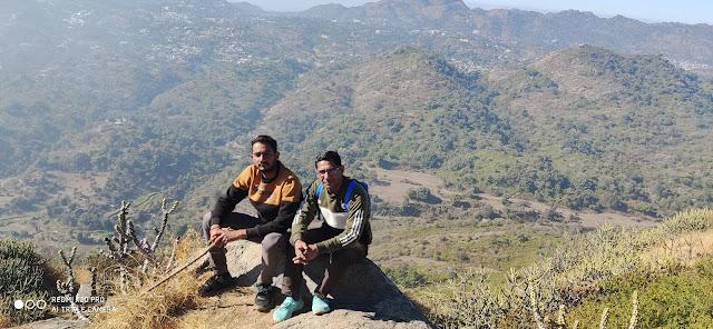 शिक्षक मित्र अवधेशराज सिंह पंवार के साथ
