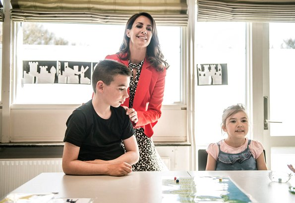 Princess Marie wore Alexander McQueen Flared Crepe Jacket, Tara Jarmon dress and the Princess carried Carlend Copenhagen clutch