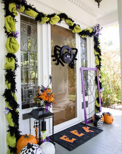 101 fiestas ideas para decorar tu puerta de halloween for Ideas para decorar puertas