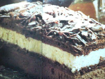 Pastel de chocolate Selva Negra. Una porción