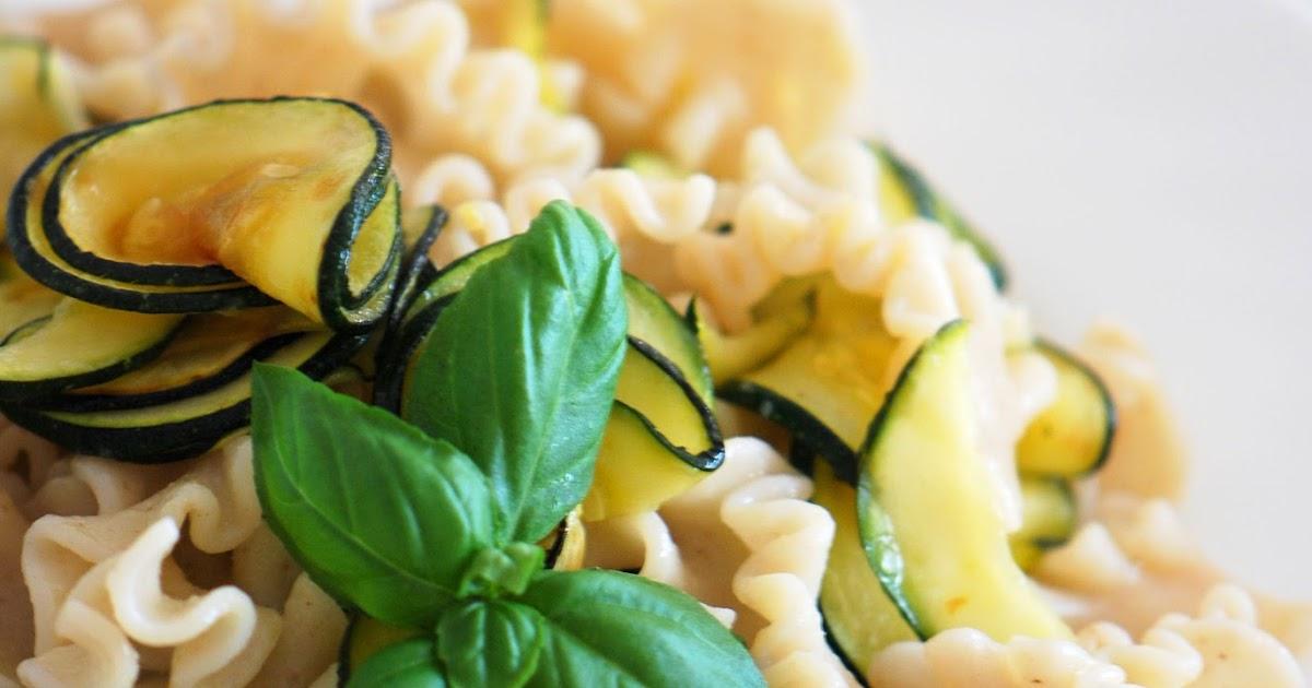 Probieren Und Studieren : Zucchini Zitronen Pasta Mit