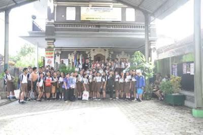 Kunjungan SMK TI Bali Global Denpasar ke SMP PGRI 7 Denpasar