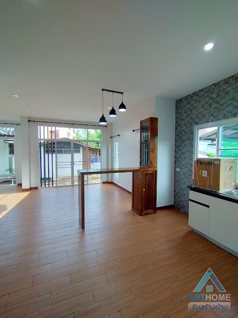 ห้องรับแขกและส่วนห้องครัว