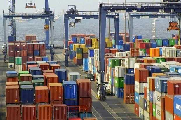 Kapal Besar Bermuatan 10.000 TEUS Akan Merapat Ke Pelabuhan Tanjung Priok Jakarta