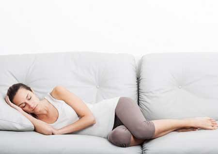 6 Manfaat Tidur Siang Yang Hebat Meski Sebentar