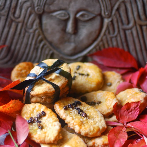 The Dance Of Life Soul Cakes For Samhain The Origins Of