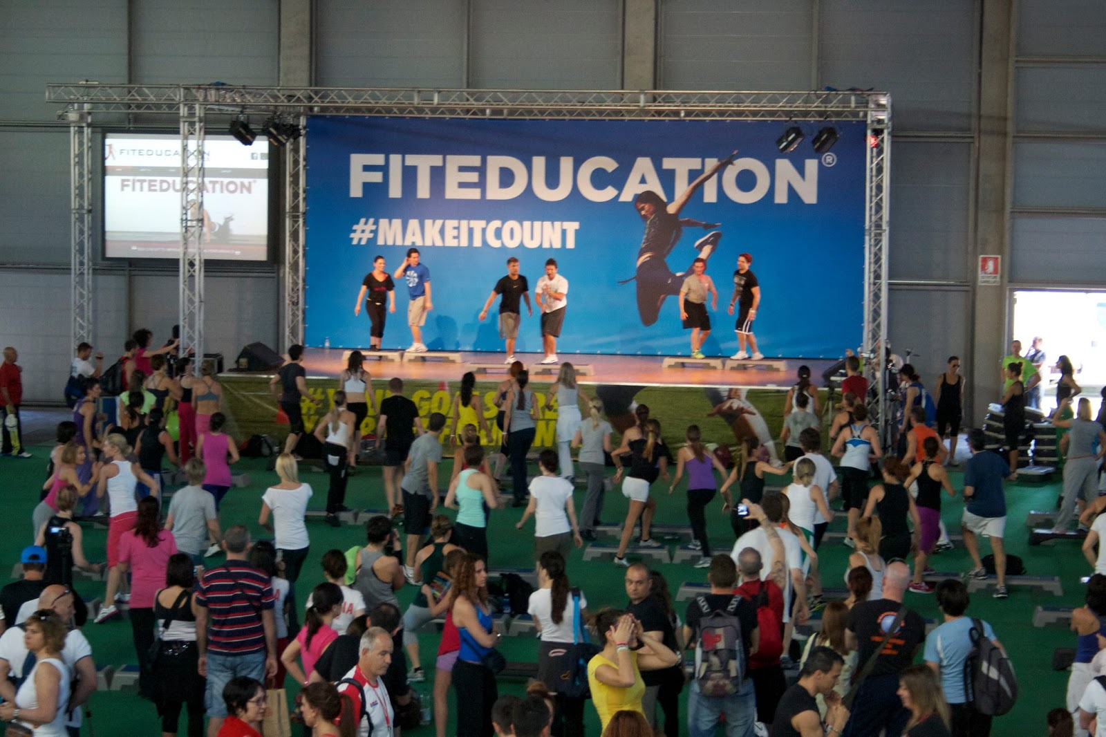 Sweat and Move con i programmi ed i presenters del palco Fiteducation