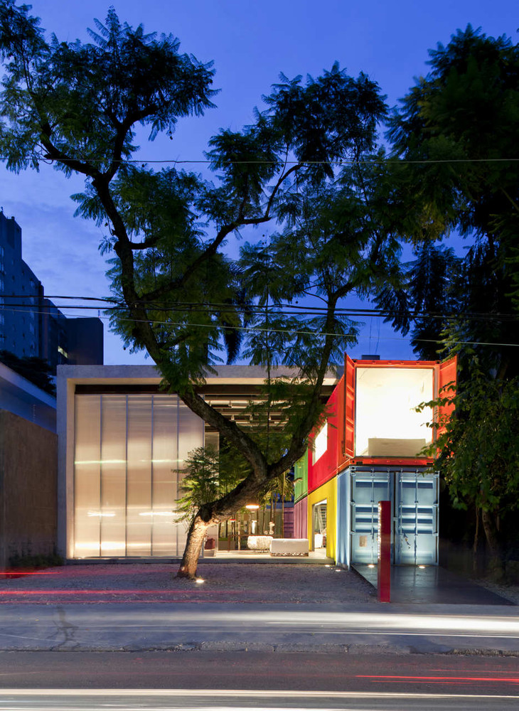 Decameron - Low Budget Colorful Shipping Container Store, Brazil 10